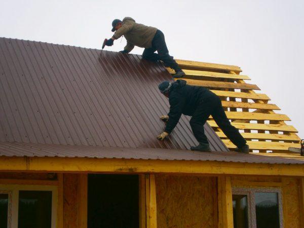 Самостоятельное покрытие крыши