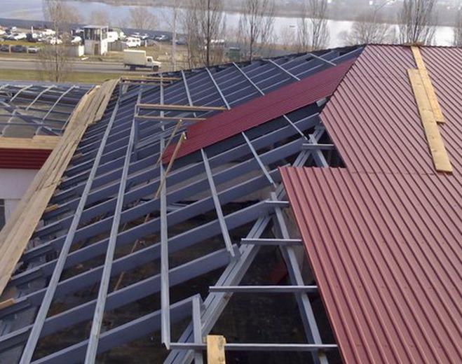 Изолирующие материалы для крыши из металлочерепицы