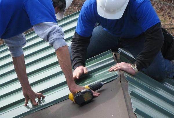 Ремонт крыши гаража из профнастила