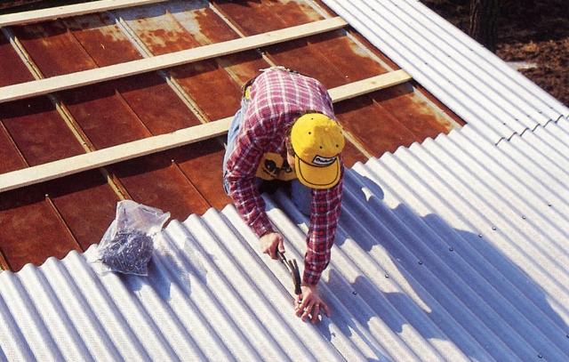 Крепеж крыши из металлопрофиля