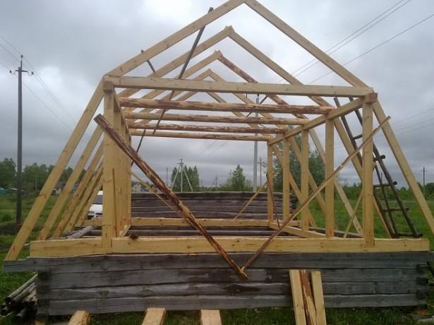 Установка стропильной системы мансардной крыши