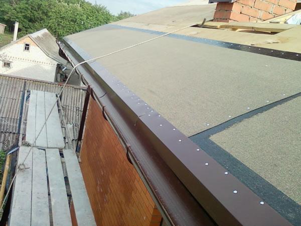 Капельник на крышу своими руками