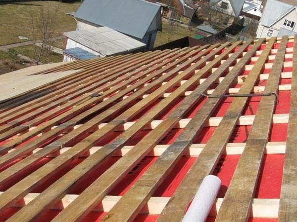 Устройство обрешетки для крыши из профнастила