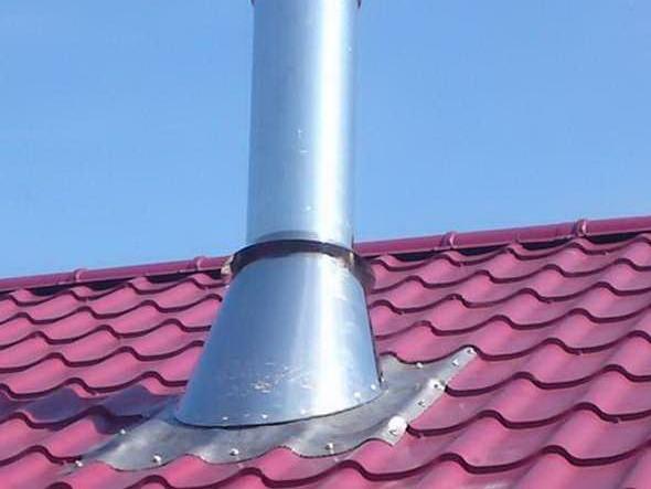 Вывод дымохода из сэндвич друбы через крышу из металлочерепицы