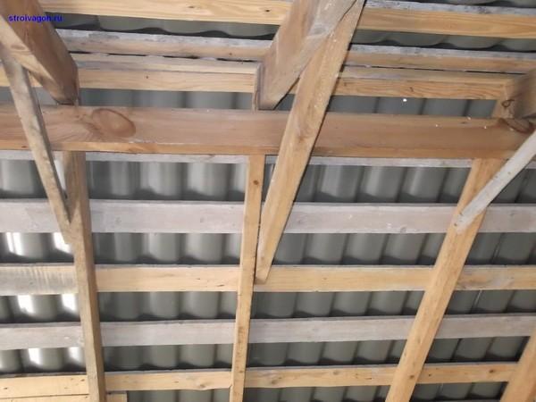 Стропилы и обрешетка шиферной крыши