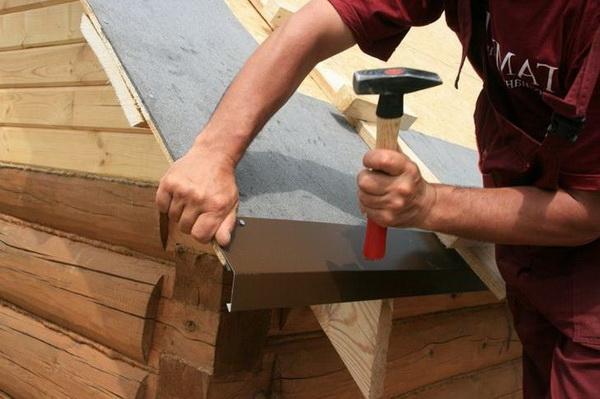 Установка капельника на крышу частного дома