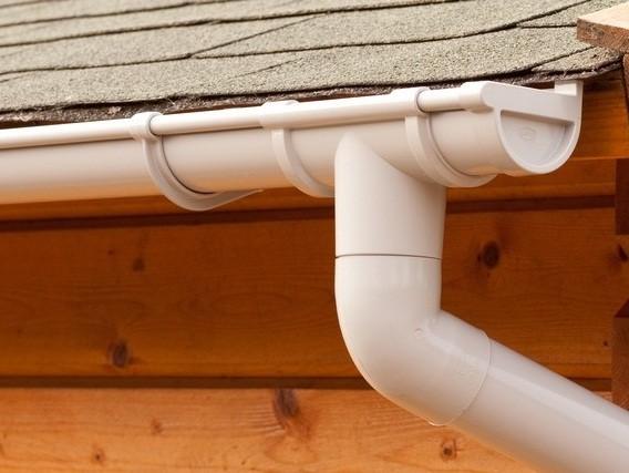 Водосточная система частного дома из пластиковых труб