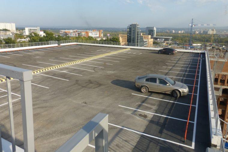 Автостоянка на крыше здания