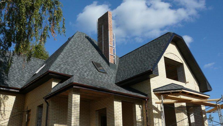 Черепица Шинглас позволяет покрывать крыши любой сложности