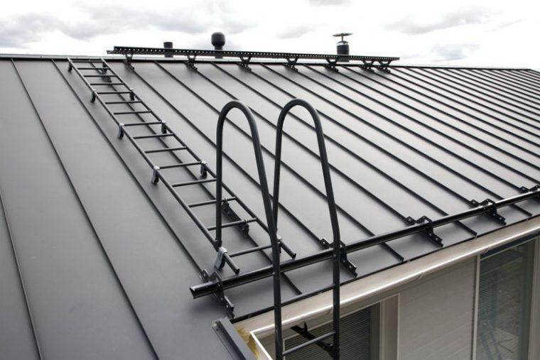 Сборная конструкция лестницы на крышу