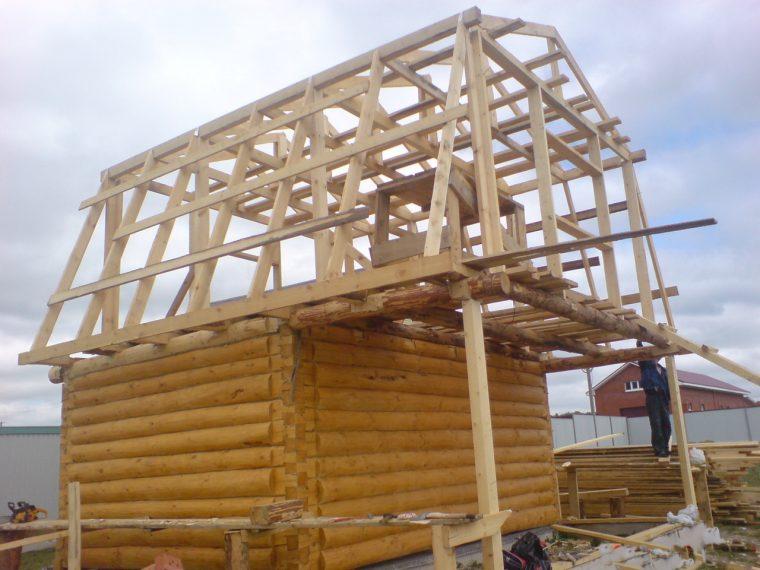 Строительство частного дома с ломаной мансардной кровлей