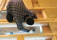 Как утеплить потолок в доме с холодной крышей?