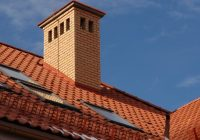 Как вывести дымоход через крышу из металлочерепицы?