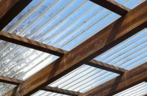 Выбираем прозрачный пластик для крыши