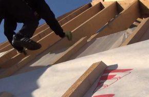 Как правильно стелить Изоспан на крышу?