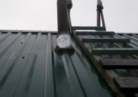 Как обойти трубу на крыше профнастилом?