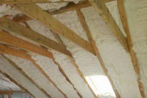 Как утеплить крышу пенополиуретаном?