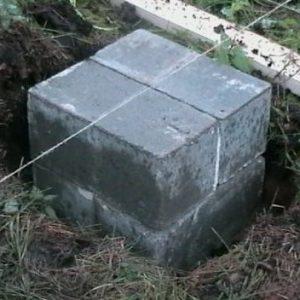 Столб фундамента бани