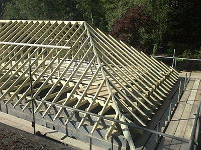 Вальмовая крыша стропила