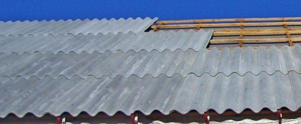 Укладка шифера на крышу частного дома