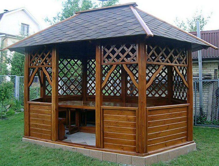 Крыша является основным конструктивным элементом беседки