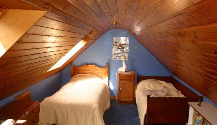 Устройство жилой комнаты на чердаке