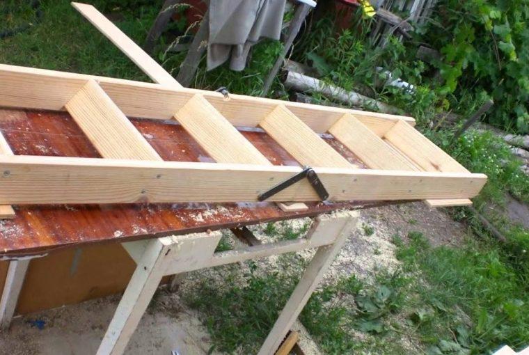 Изготовление кровельной лестницы своими руками