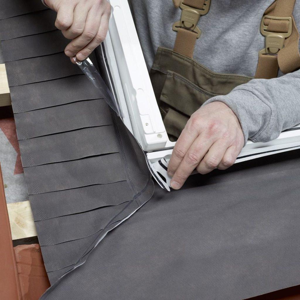 Как правильно установить мансардное окно на металлочерепице?